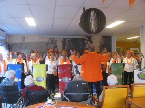 Verslag Oranjefeest in het 'Buiten' in de Open Waard dd. 26-04-2017