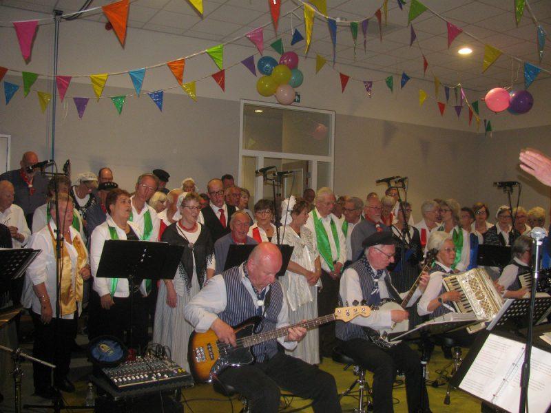 Optreden met Shantykoor Buitengaats uit Zwijndrecht dd.18-05-2019